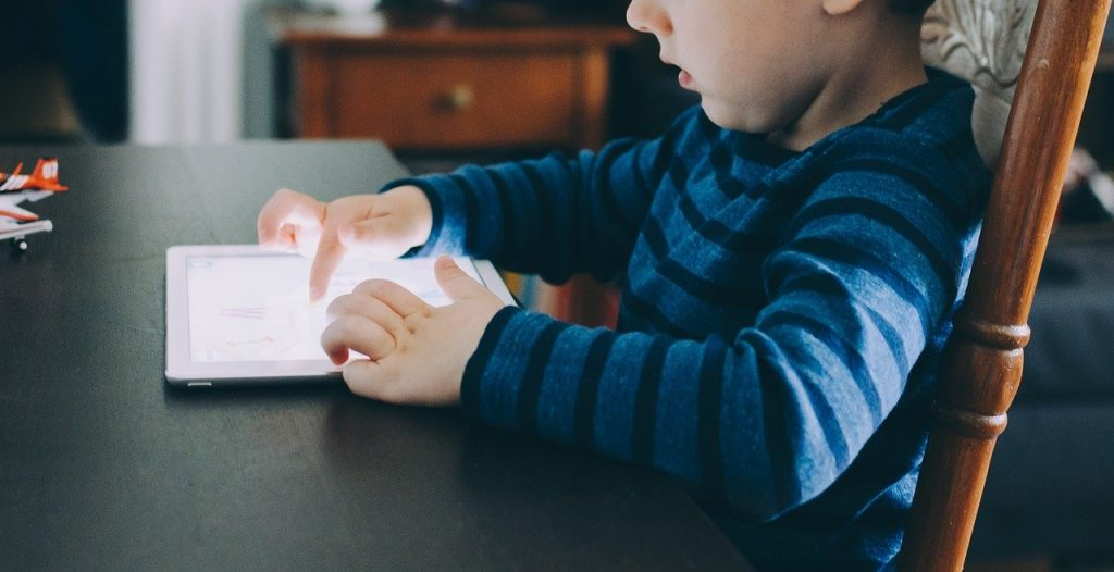3 Online Dangers to Your Children and How To Respond