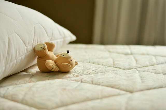 10 Tips on How to Clean Soiled Mattresses